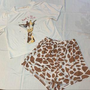 ✨2/$15✨ Shien Cartoon Print Giraffe PJ Set- Size L